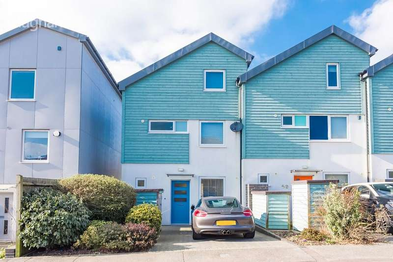 4 Bedrooms Semi Detached House for sale in Bevendean Road, Brighton, BN2
