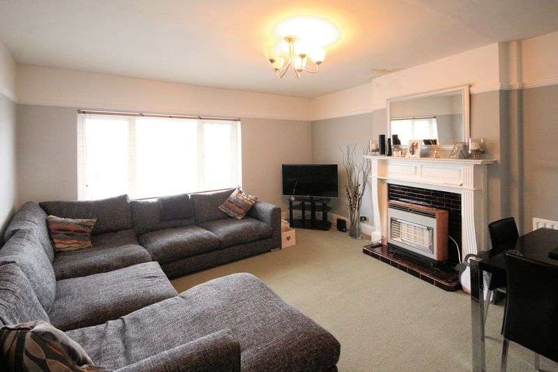 2 Bedrooms Property for rent in Station Road, West Wickham