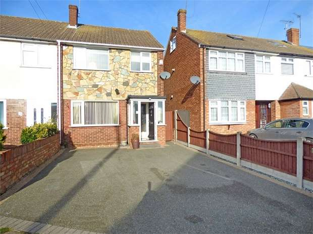 3 Bedrooms End Of Terrace House for sale in Burrs Way, Corringham, Stanford-le-Hope, Essex