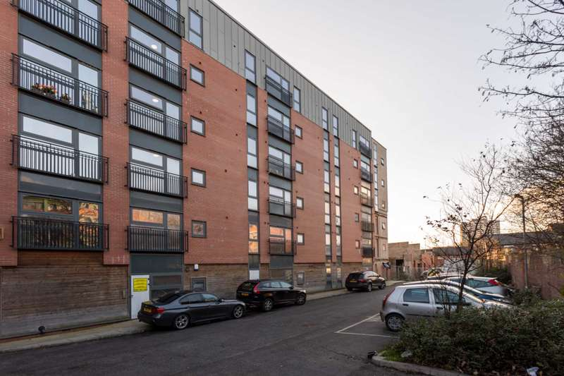 3 Bedrooms Flat for sale in Carriage Grove, Bootle