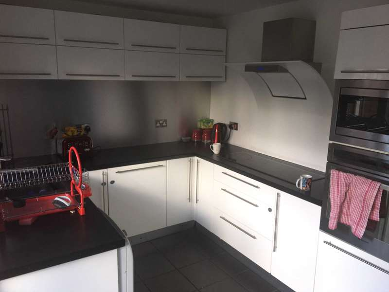 4 Bedrooms Semi Detached House for sale in Holly Hey, Whiston