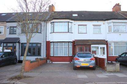 4 Bedrooms Terraced House for sale in Gants Hill, Essex