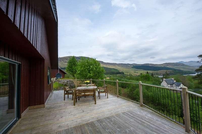 2 Bedrooms Detached House for sale in Portnellan, Crianlarich, Stirlingshire, FK20
