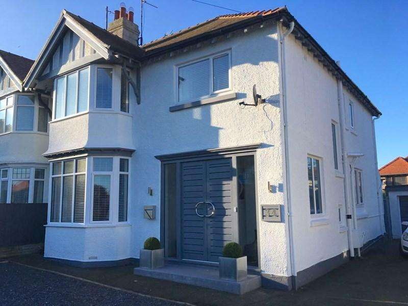 4 Bedrooms Semi Detached House for sale in 34 Meadow Gardens, Craig y Don