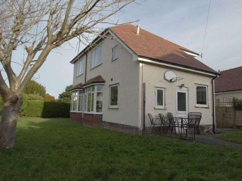 3 Bedrooms Detached House for sale in 25 Llandudno Road, Rhos on Sea