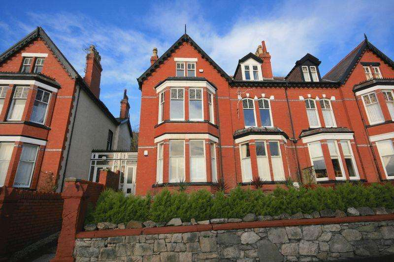 2 Bedrooms Apartment Flat for sale in ABBEY ROAD, LLANDUDNO