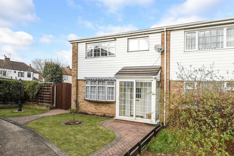 3 Bedrooms End Of Terrace House for sale in Cumberland Close, Hornchurch, RM12 6JJ