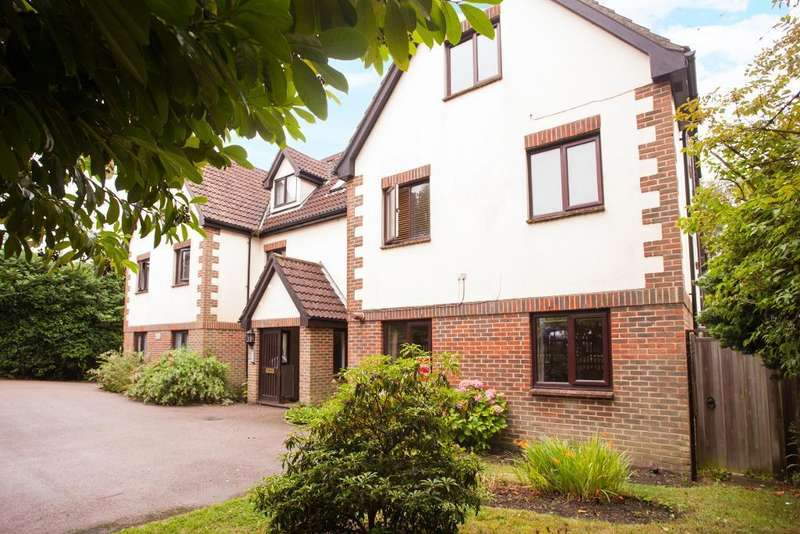 2 Bedrooms Apartment Flat for sale in Hailsham Road, Heathfield, East Sussex, TN21 8AE