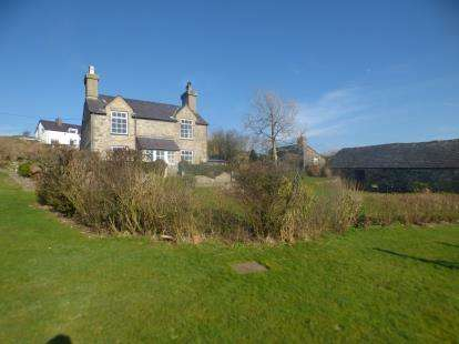 2 Bedrooms Detached House for sale in Llithfaen, Pwllheli, Gwynedd, LL53