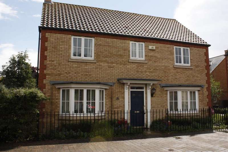4 Bedrooms Detached House for rent in Woodpecker Way Sandy Bedfordshire