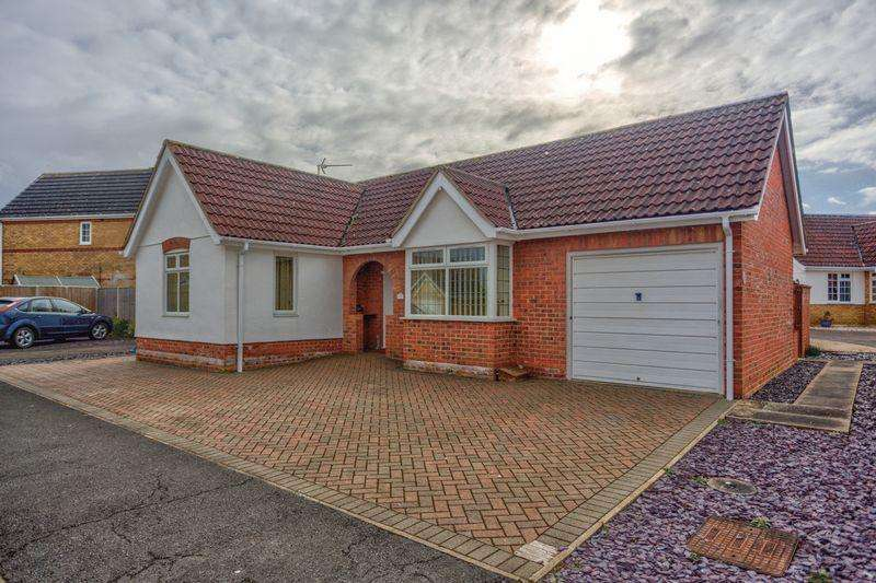 2 Bedrooms Detached Bungalow for sale in Orton Drive, Witchford