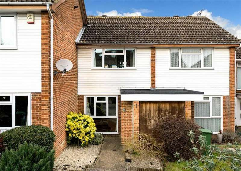 2 Bedrooms Terraced House for sale in Westfield Court, St Albans, Hertfordshire