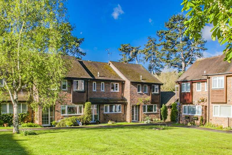 3 Bedrooms Terraced House for sale in 19 The Birches, Goring on Thames, RG8