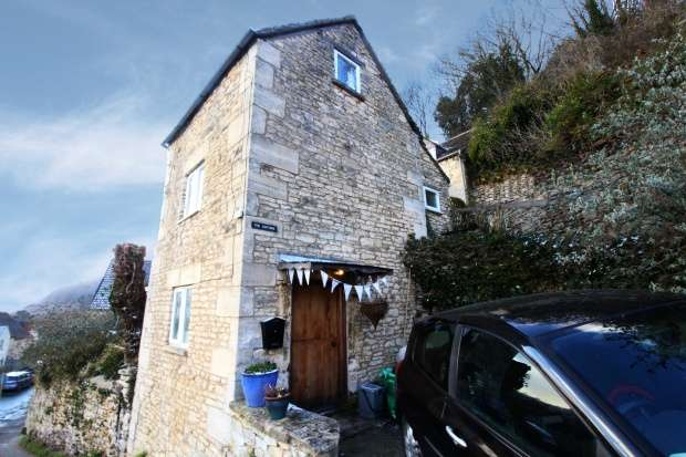 2 Bedrooms Detached House for sale in Seven Acres Road, Stroud, Gloucestershire, GL6 0DS
