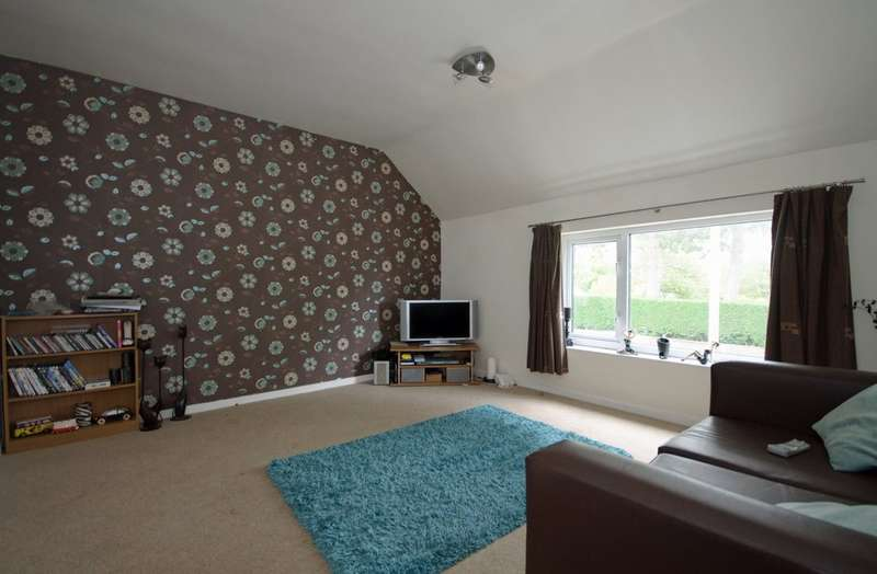 2 Bedrooms Flat for sale in Main Street, Newbold Verdon LE9