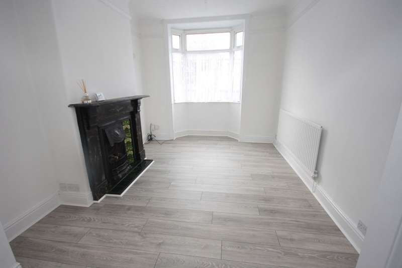 3 Bedrooms Terraced House for rent in Eskdale Terrace, Guisborough, TS14