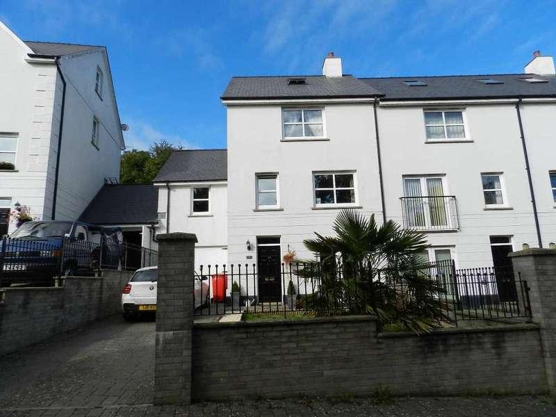 4 Bedrooms Link Detached House for sale in Kensington Gardens, Haverfordwest, Pembrokeshire