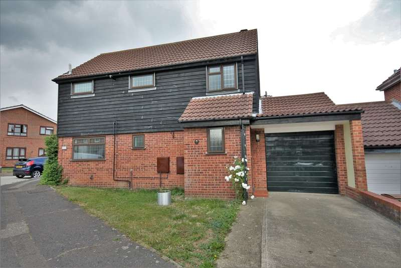 3 Bedrooms Detached House for rent in Clachar Close, Chelmsford
