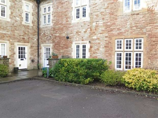 2 Bedrooms Flat for sale in West Court, South Horrington Village, Wells