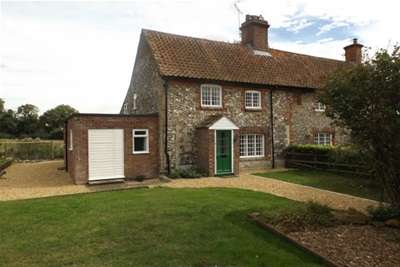 2 Bedrooms Cottage House for rent in St James Green - Castle Acre
