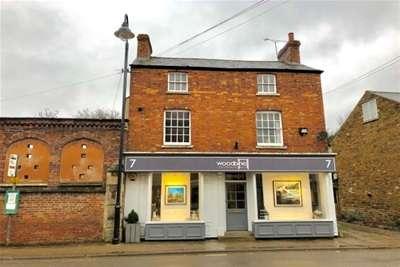 2 Bedrooms Flat for rent in Orange Street, Uppingham, LE15 9SQ