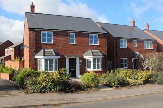 4 Bedrooms Detached House for sale in 98 Wellington Road, Newport, Shropshire, TF10 7HJ