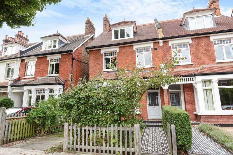 6 Bedrooms Semi Detached House for sale in Grove Park Camberwell SE5