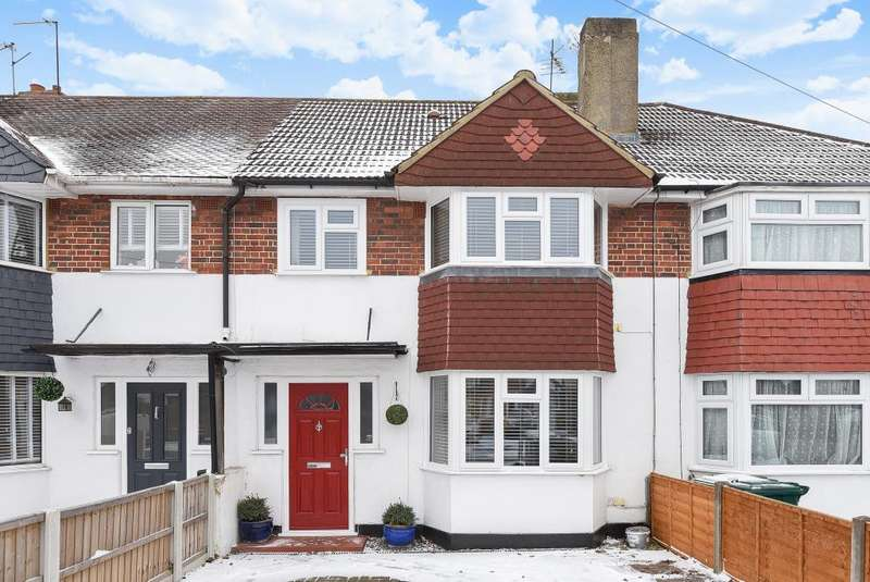 3 Bedrooms House for sale in Ashridge Way, Sunbury-On-Thames, TW16