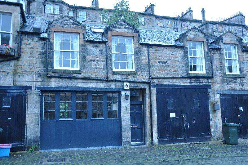 4 Bedrooms Mews House for rent in Gloucester Square, New Town, Edinburgh, EH3 6EB