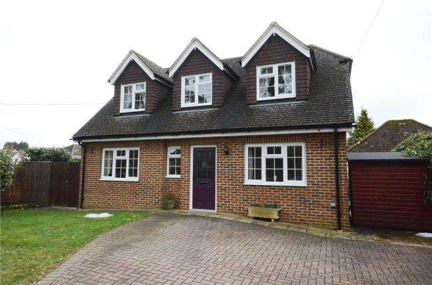 2 Bedrooms Detached House for sale in Pine Grove, Church Crookham, Fleet