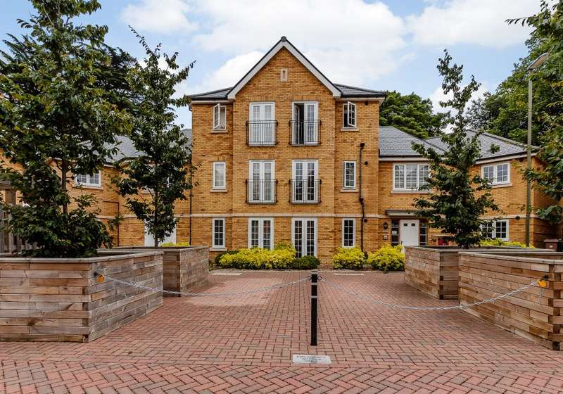 1 Bedroom Ground Flat for sale in Forelle Way, Carshalton, Surrey