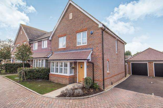 3 Bedrooms End Of Terrace House for sale in Guildford, Surrey