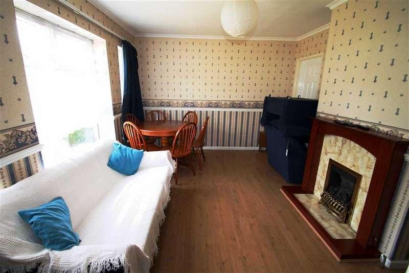 5 Bedrooms Semi Detached House for rent in Nine Elms Avenue, Uxbridge, Greater London