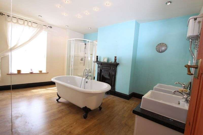 2 Bedrooms Property for rent in Sandwell Street, Walsall