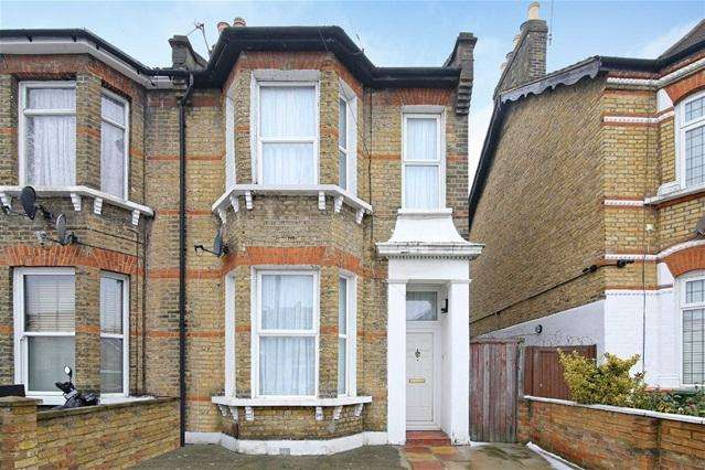 4 Bedrooms Terraced House for sale in Disraeli Road, Forest Gate