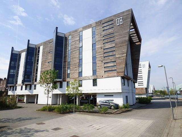 2 Bedrooms Flat for sale in Lock 8, Runcorn