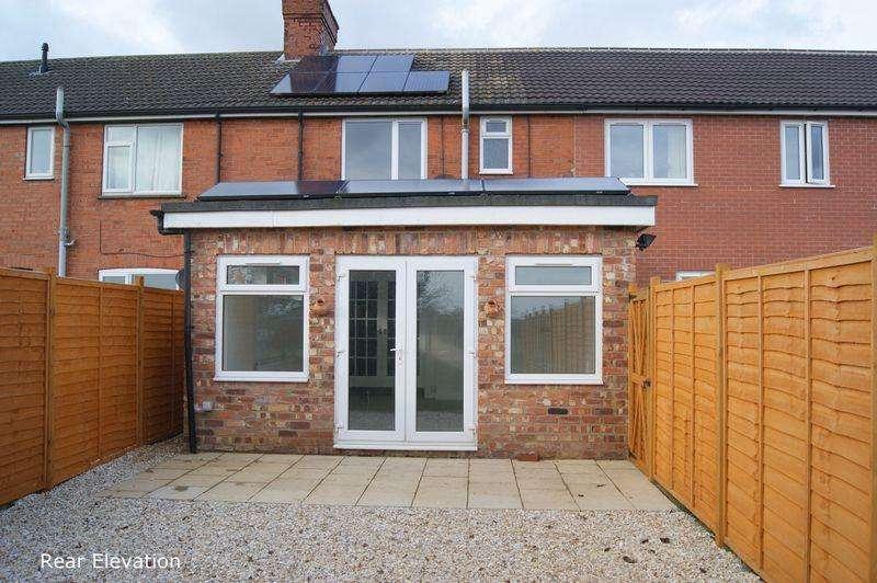 3 Bedrooms Terraced House for sale in Twenty Row, Navenby