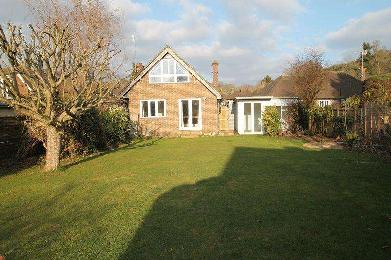 3 Bedrooms Detached Bungalow for rent in New Road, Wonersh