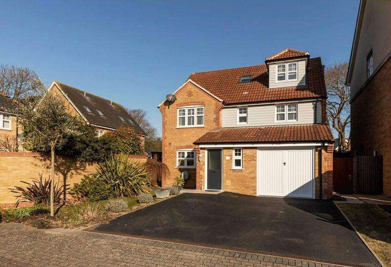 5 Bedrooms House for sale in 5 Bed Detached Property - Cheriton Road, Southsea