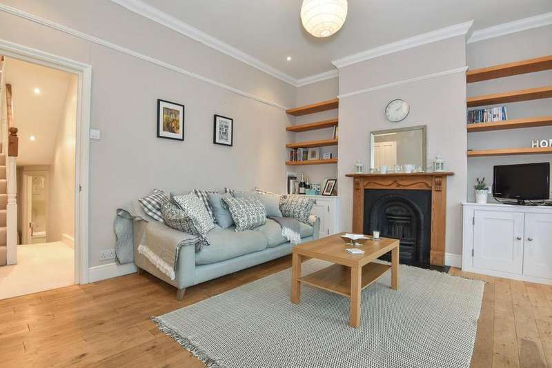 3 Bedrooms Flat for sale in Inman Road, Earlsfield