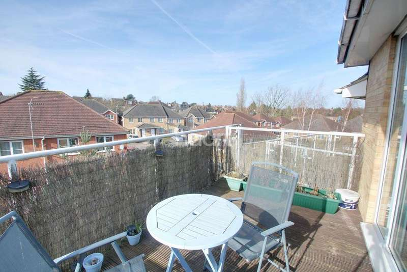 2 Bedrooms Flat for sale in Wardown Area