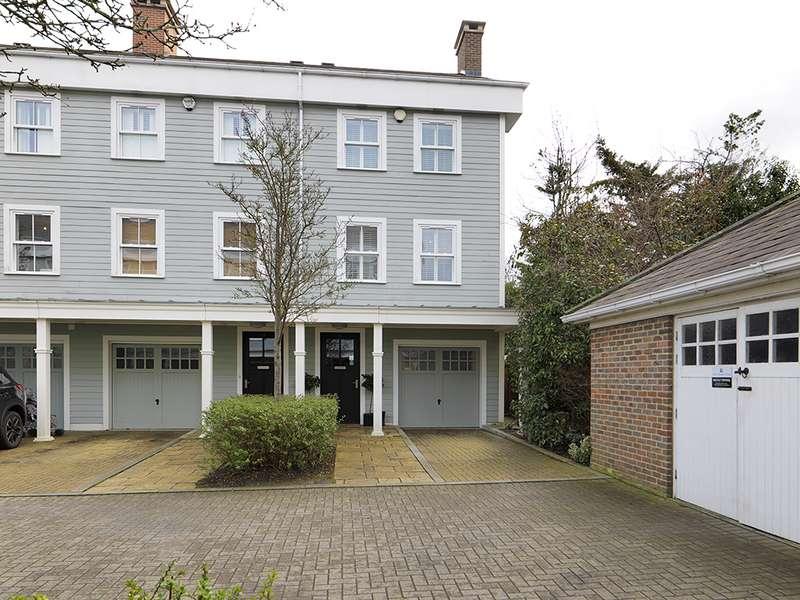 4 Bedrooms Property for sale in Portland Close, Worcester Park, KT4