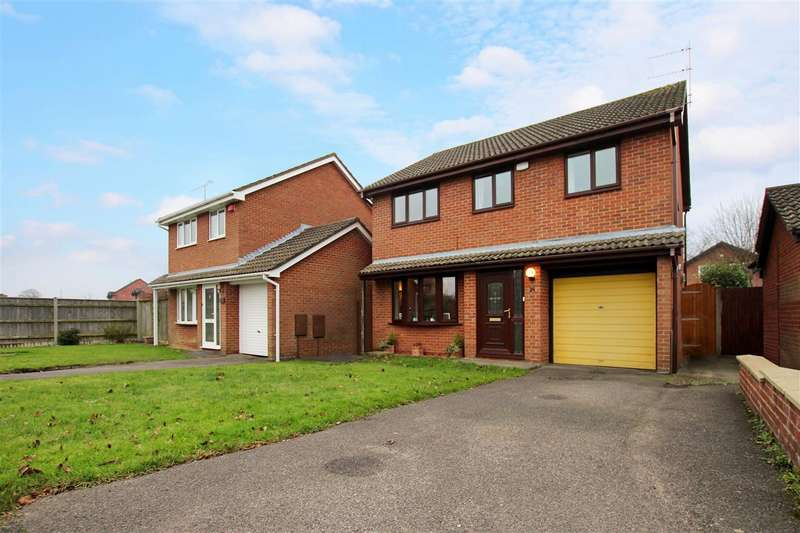 4 Bedrooms Detached House for sale in Thorncombe Close, Bournemouth