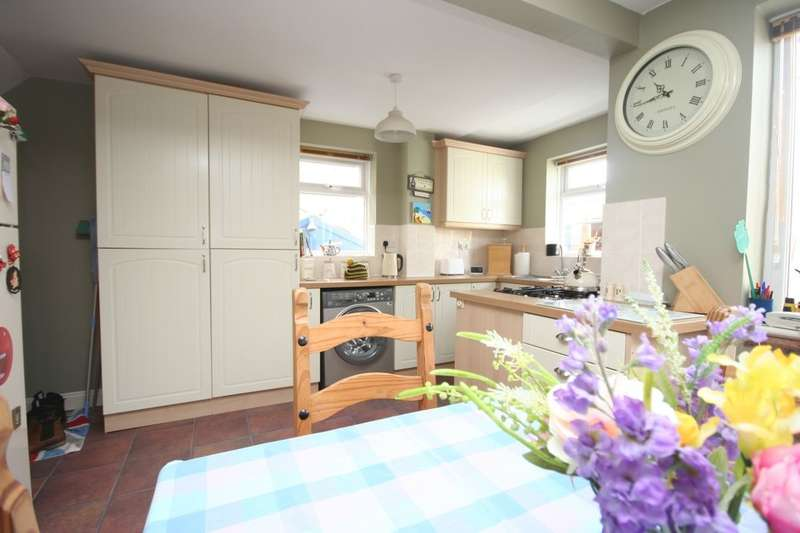 3 Bedrooms Detached House for sale in Norwood Close, Stockton-On-Tees, TS19