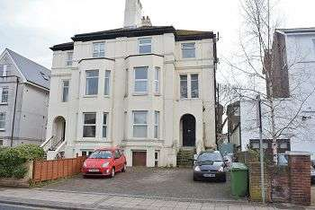 2 Bedrooms Flat for sale in Victoria Road North, Southsea, PO5 1PX