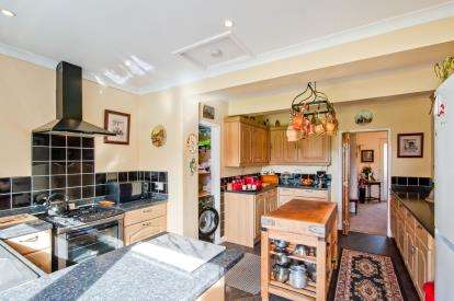 2 Bedrooms Bungalow for sale in Watton, Thetford