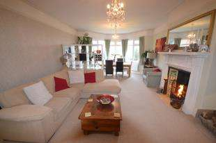 3 Bedrooms Flat for sale in St Johns Road, Tunbridge Wells, Kent, .