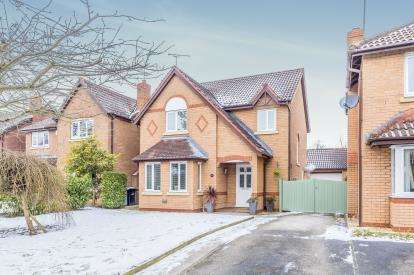 4 Bedrooms Detached House for sale in Millrace Drive, Wistaston, Crewe, Cheshire