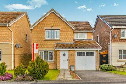 3 Bedrooms Detached House for sale in Swallow Close, Darlington, County Durham, Darlington