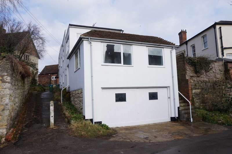 4 Bedrooms House for rent in Market Hill, Whitchurch, Nr Aylesbury.